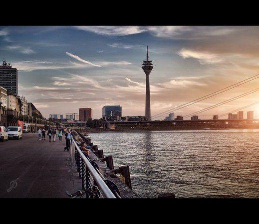 Düsseldorf, Rheinuferpromenade