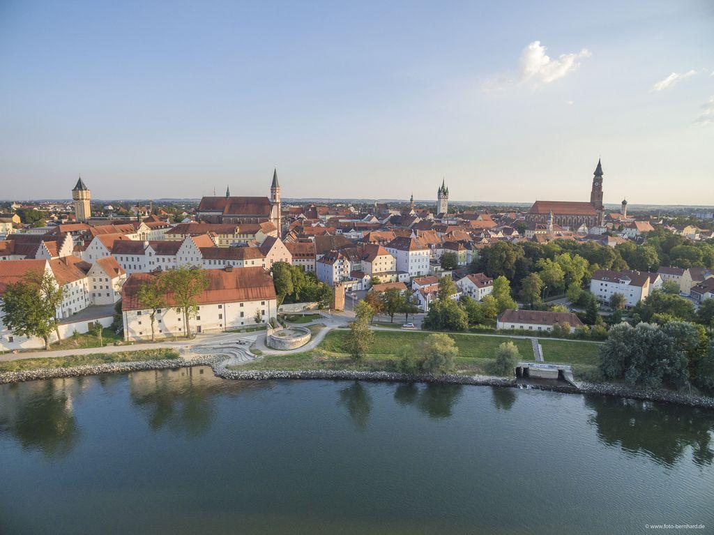 Donau und Herzogschloss