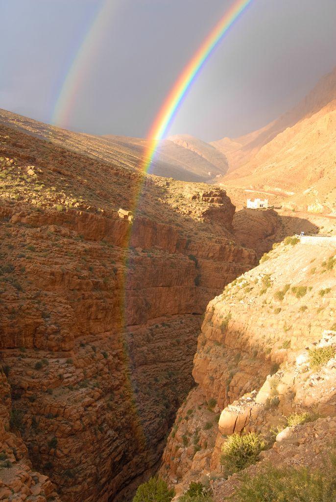 Regenbogen in der Dades Schlucht