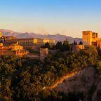 Die Alhambra gehört zu den meistbesuchtesten Touristenattraktionen Europas