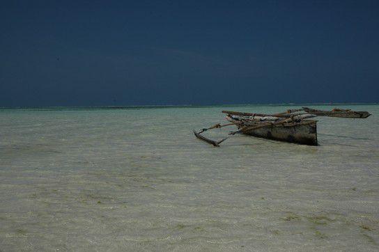 Strandspaziergang auf Sansibar