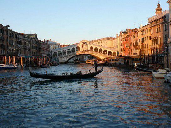 Venedig - Rialto im Abendlicht