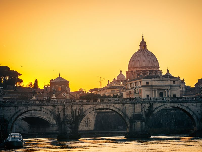 Jeder Rombesuch führt auch am Petersdom vorbei, dem Herzstück des Vatikans