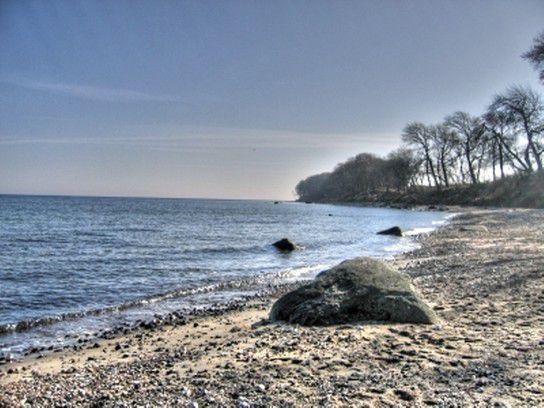 Strand an der Steilküste