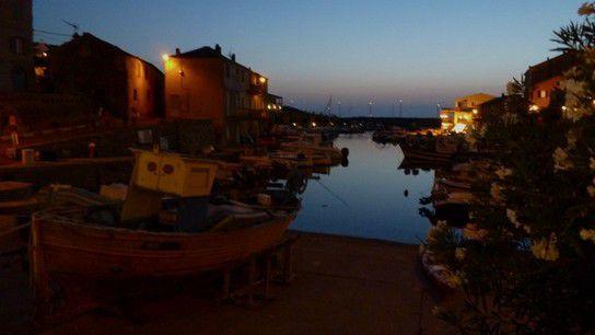 Centuri Port bei Nacht