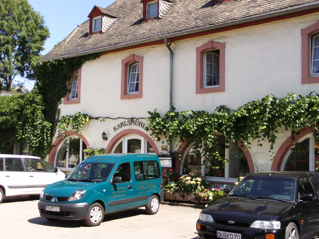 """Hoteleingang """"Karlsmühle"""""""