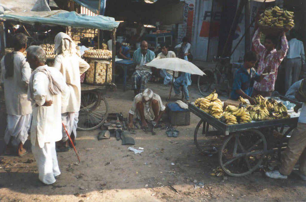 India-Rajasthan-Sikri-shoe-repair-fatehpur-SMO.jpg