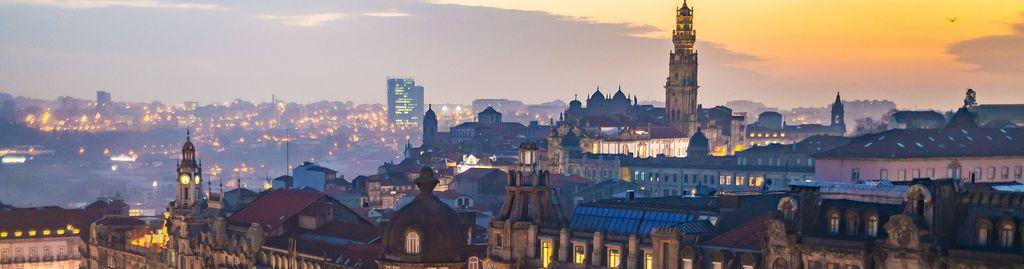 Sonnenuntergang über dem Liberdade Platz