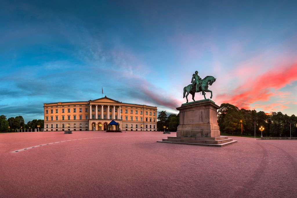 Royal Palace und Statue of King Karl Johan in Norwegen