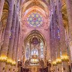 Das Innere der gotische Kathedrale La Seu in Palma de Mallorca