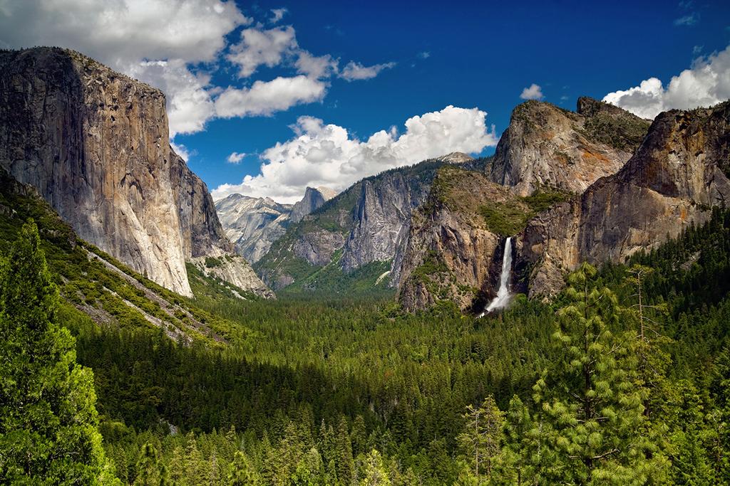 Der zentrale Teil des Nationalparks, das Yosemite Valley, ist bei Besuchern besonders beliebt.