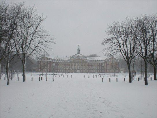 Fernweh: Schnee Schloss in Münster