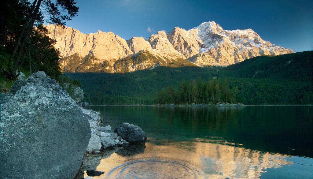 Die Zugspitze ist der höchste und berühmteste unter den deutschen Bergen