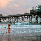 Das Meer am Cocoa Beach Pier lädt zum Baden oder Surfen ein
