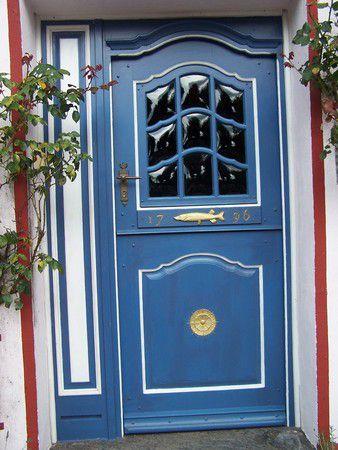 Verzierte Tür in Holm