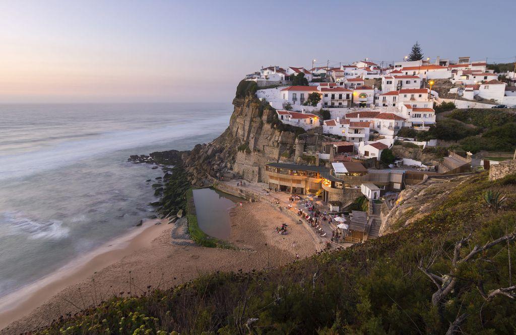Das Dorf Azenhas do Mar in der Nähe von Sintra