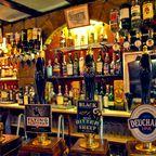 Zapfhähne in einem Pub