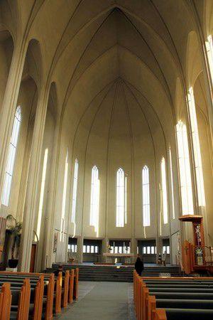 Kirchenschiff der Hallgrimskirkja in Reykjavik