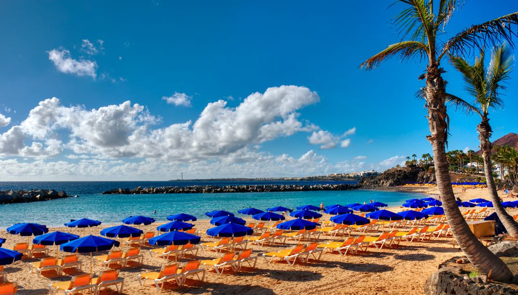 Lanzarote ist mit milden Temperaturen im April ein perfektes Reiseziel