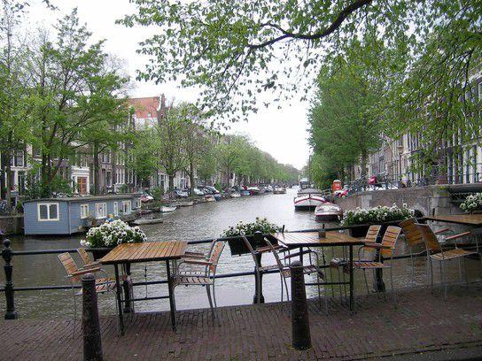 Blick in eine Gracht in Amsterdam