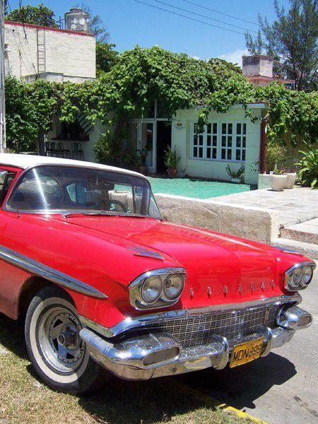Kuba, Varadero, im Hintergrund Bennys Bar..Insidertipp.JPG