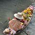 Obsthändler eines schwimmenden Markts