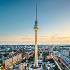 Der Anblick des Berliner Fernsehturms ist berühmt - der Ausblick von oben ebenso.