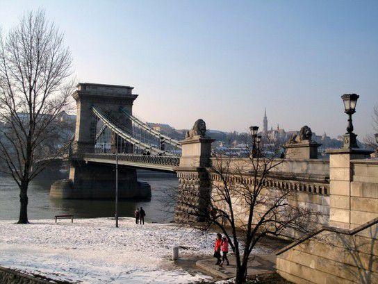 Budapest - Széchenyi-Kettenbrücke