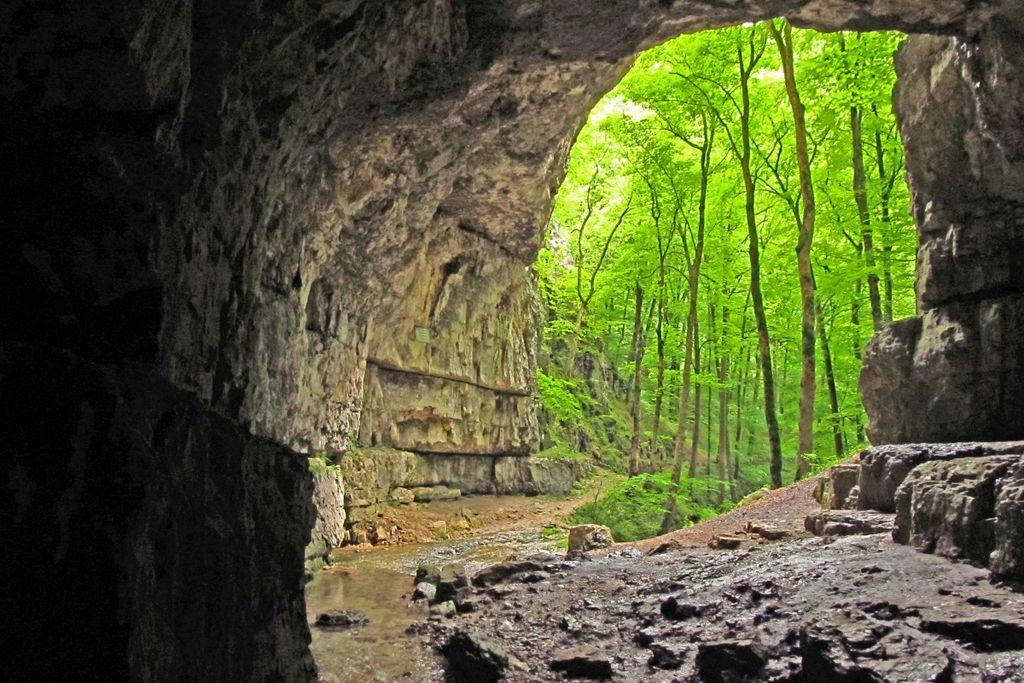 Schwäbische Alb: Ihre Höhlen boten Urmenschen Zuflucht
