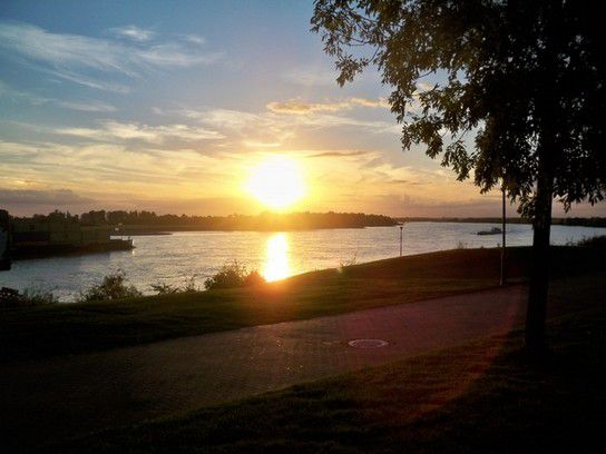 Sonnenuntergang am Niederrhein in Wesel