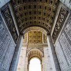 Arc de Triomphe von unten