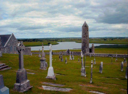 Cluain Mhic Nóise, Clonmacnoise