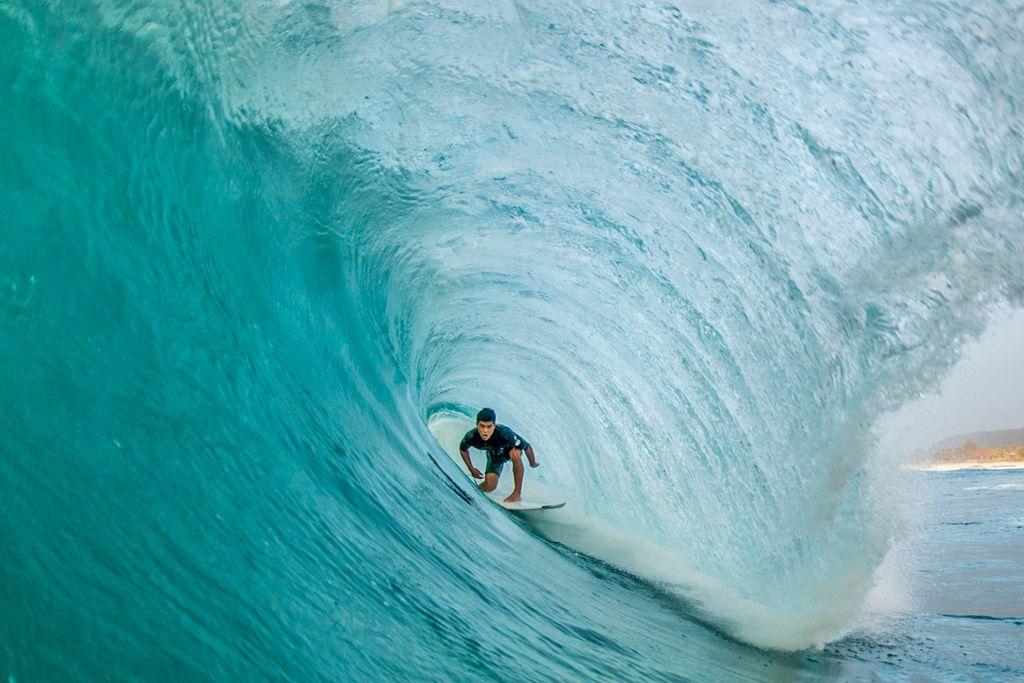 Ab in die Pipeline auf Hawaii