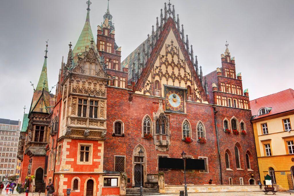 Wahrzeichen der Stadt: das Rathaus