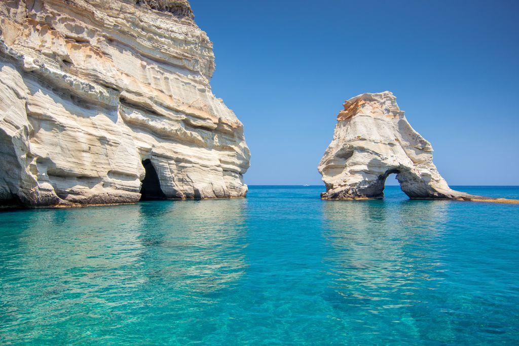 Top-Sehenswürdigkeiten in Griechenland: Kleftiko Höhlen und Strand