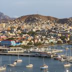 Mindelo mit Hafen auf São Vicente