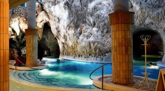 Mineral-Höhlenthermalbad Miskolc,Ungarn