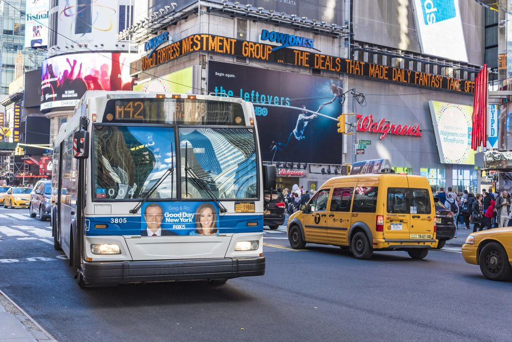 MTA-Bus am New Yorker Times Square
