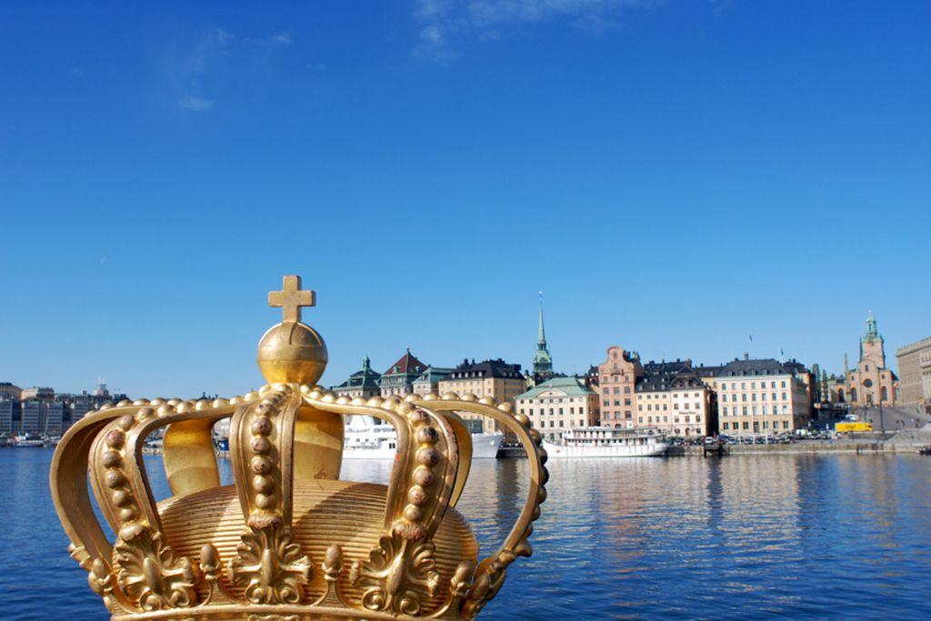 Skeppsholm Bridge - Brücke mit goldener Krone