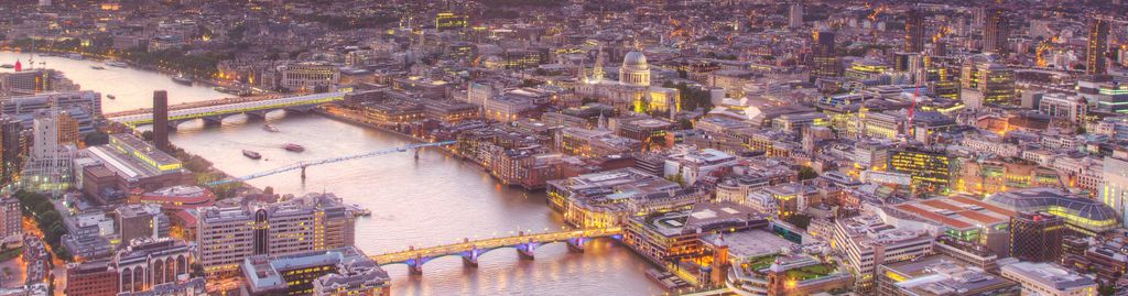 London aus dem Flugzeug