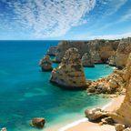 Die felsigen Steilküsten im Südwesten der Algarve sind eine beindruckende aber auch  gefährliche Touristenattraktion