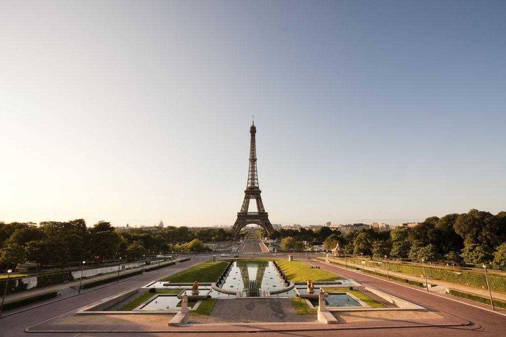 Eiffelturm am Morgen