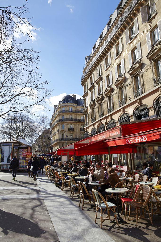 Pariser Straßencafé