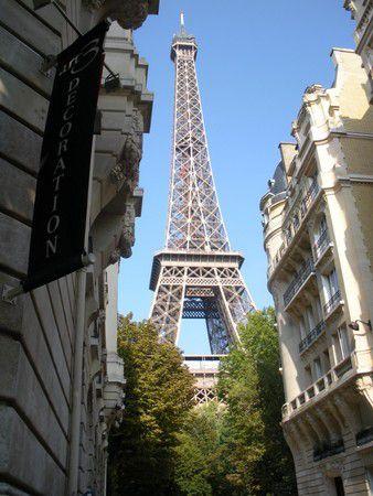 World, Tour Eiffel