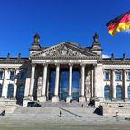Reichstag und eitel Sonnenschein