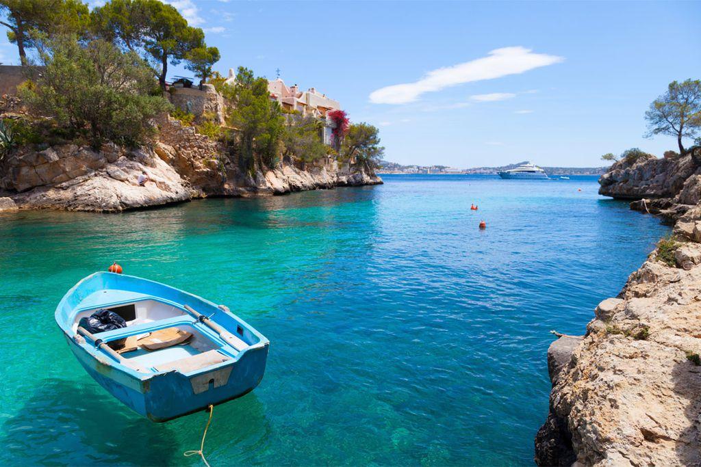 Nicht nur Ballermann: Auf Mallorca finden sich auch Clubs und Strandbars ohne Trinkgelage.