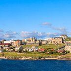 Blick auf die Stadt Lerwick auf den Shetland Inseln