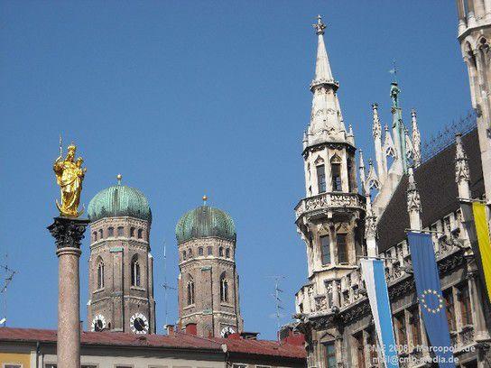 München Rathaus mit Frauenkirche