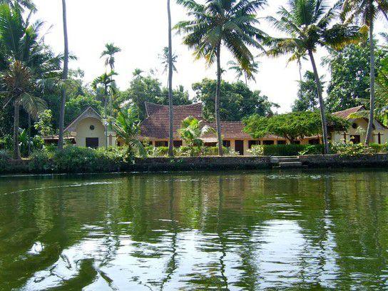 Pooppallys Homestay in Kerala