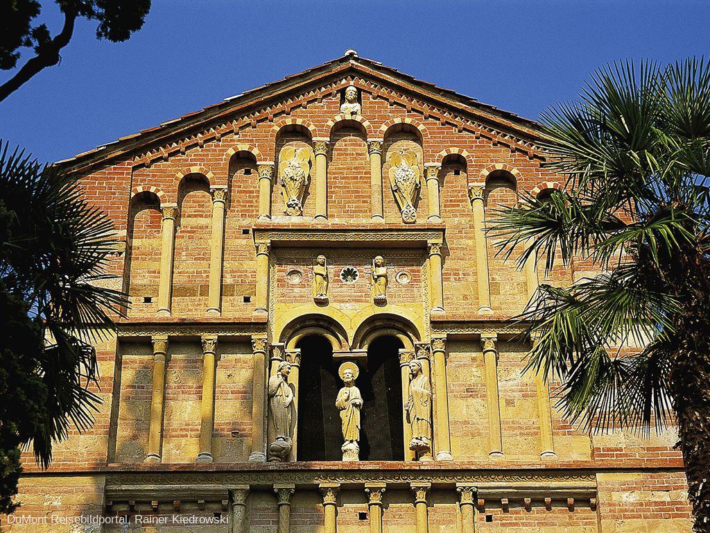 Abbazia di Santa Maria di Vezzolano